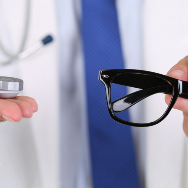 Contact Lenses VS Glasses: Which is Better?